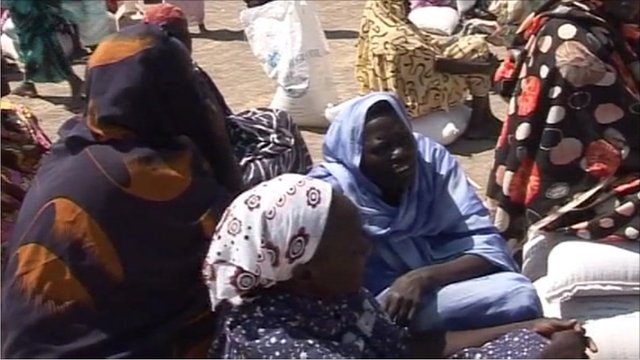 Lines of women cue up for a food distribution from the World Food Programme in Sudan's border region of Abyei