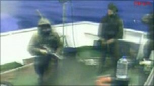 TV image said to show Israeli commandos on board ship