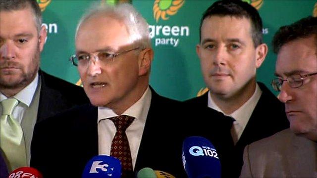 Green Party leader John Gormley (centre)