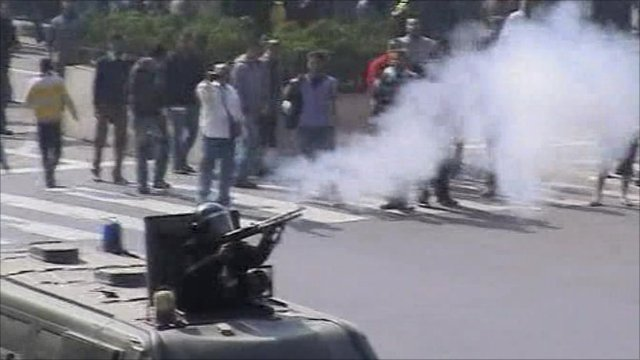 Police fire rubber bullets