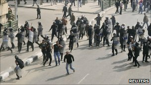 Demonstrators clash with riot police in Cairo. Photo: 28 January 2011