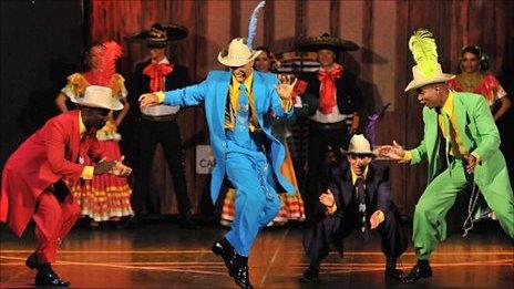Dancers in Delirio