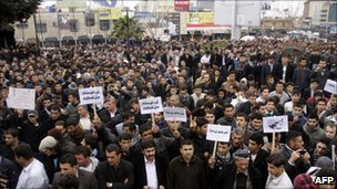 Iraqi Kurdish anti-government protesters in Sulaimaniya on 17 February