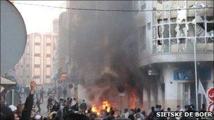 Protesters in al-Hoeciema on Sunday 20 February 2011 (Photo: Sietske de Boer)