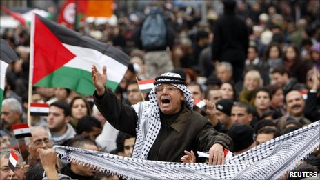 A Palestinian protester shouts slogans during a demonstration in support for Egyptian protesters in the West Bank city of Ramallah. Photo: 5 February 2011
