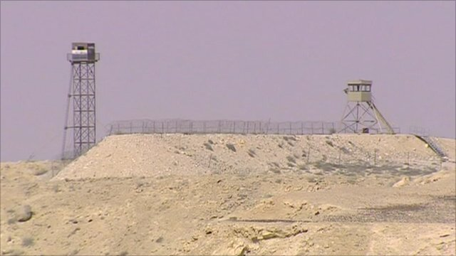 Watchtowers along the Israel-Egypt border
