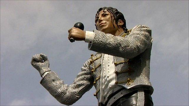 Statue of Michael Jackson at Fulham FC