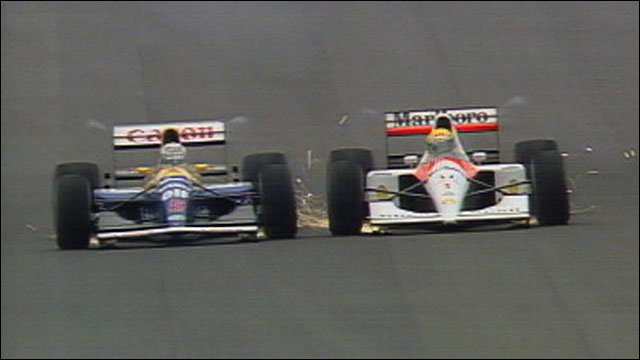 Nigel Mansell and Ayrton Senna go wheel-to-wheel