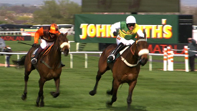 Ballabriggs wins the 2011 Grand National