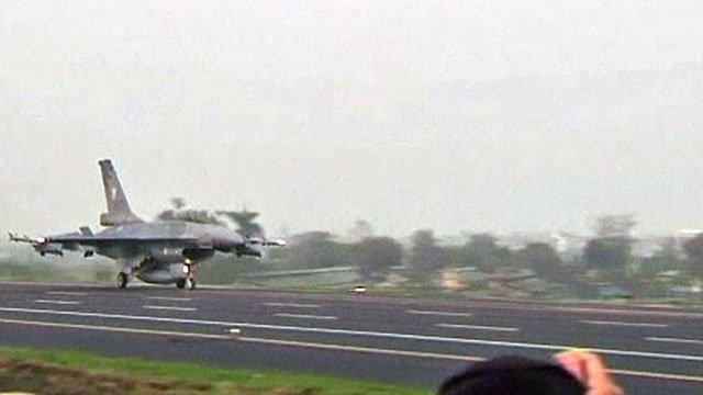Taiwanese fighter jet landing on motorway