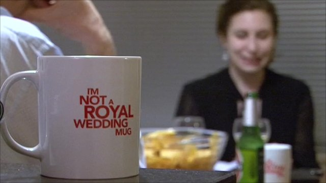 Cup with the slogan 'I'm not a Royal Wedding mug'