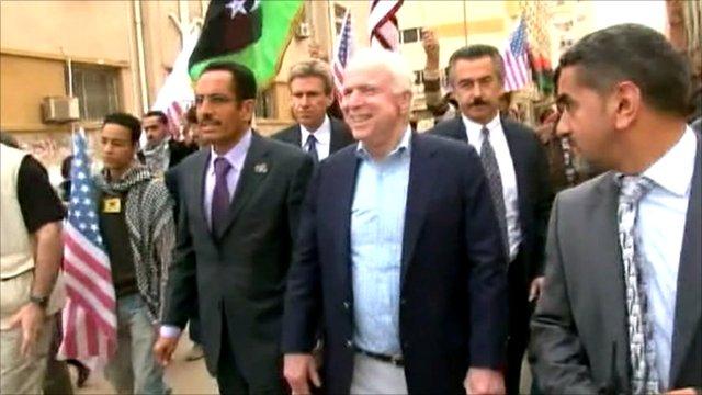 US Senator John McCain (centre)
