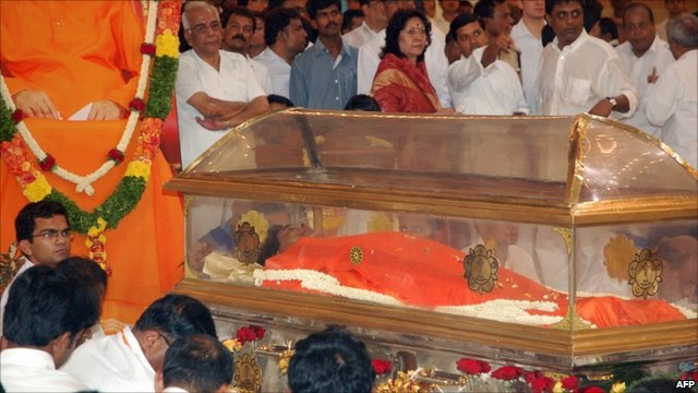 The glass coffin of Sri Satya Sai Baba
