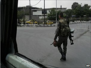 Syrian soldier in Damascus (8 May 2011)