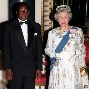 Zimbabwe's President Robert Mugabe and Queen Elizabeth II in London. Photo: 1994