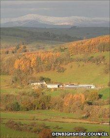 Looking towards Mynydd Hiraethog at Glan yr Afon