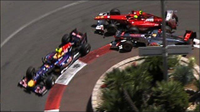 Massa crashes after Hamilton collision