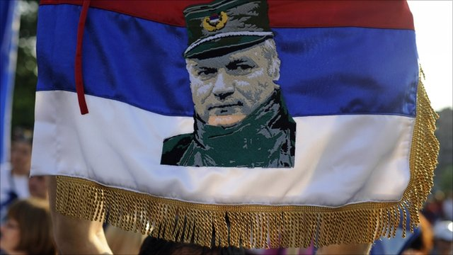 Flag with Mladic picture