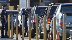 Traffic queues at the US-Mexico border near Tijuana - May 2011