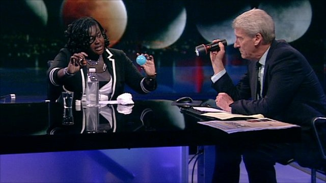 Dr Maggie Aderin-Pocock and Jeremy Paxman