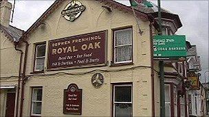 Tafarn y Royal Oak, Penrhyndeudraeth