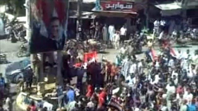 Crowds in city of Kafr Nabl, Syria