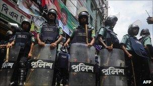 Police in Dhaka (June 2011)