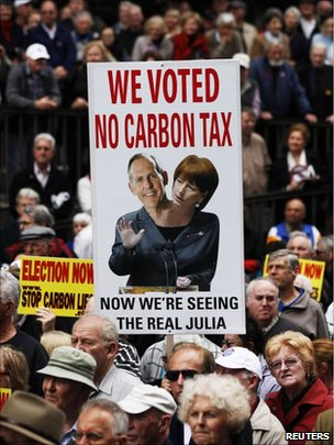 Anti-carbon tax protesters in Sydney, 1 July 2011
