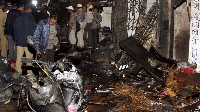 Bomb damage after explosion in Mumbai jewellery bazaar