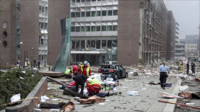 Emergency services at the government headquarters in Oslo