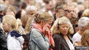 Norwegians mourn in Oslo