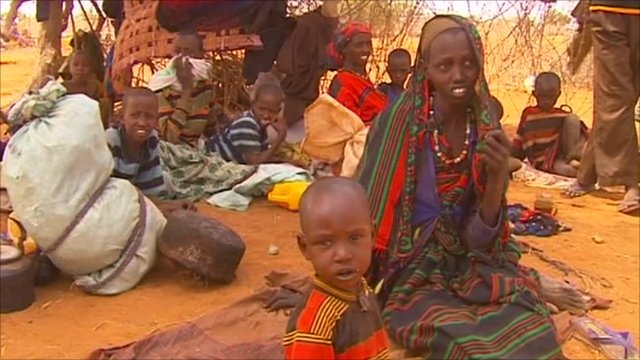 Displaced people in Somalia awaiting supplies