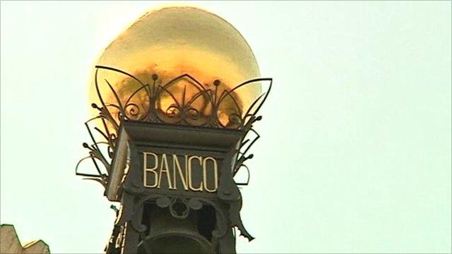 Globe on top of Spanish stock exchange