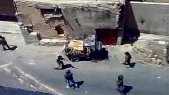 Syria street battle