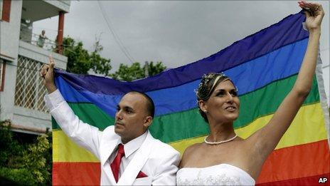 Ignacio Estrada and Wendy Iriepa after the wedding ceremony