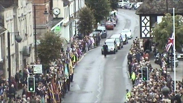Crowds in Wootton Bassett