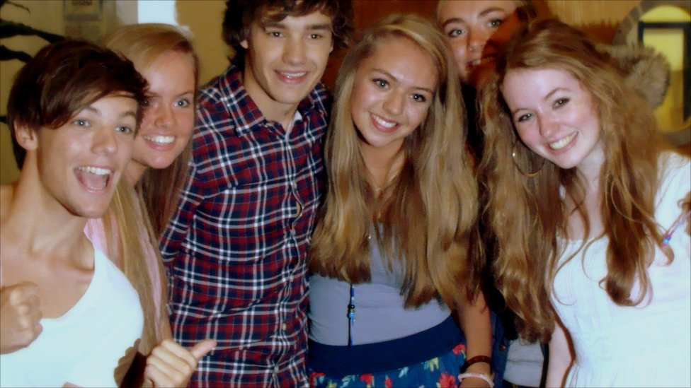 Liam Payne Hugging Fans BBC News - One ...