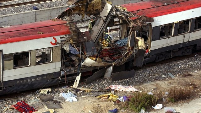 Wrecked train after Madrid bomb