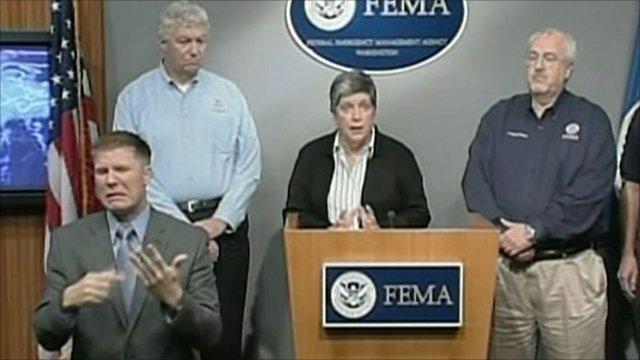 Janet Napolitano (centre) at FEMA news conference