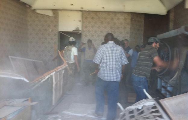 Rebels attack Gaddafi compound, 25 August