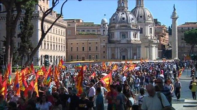 Strikers in Rome