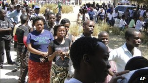 Zambians line up to cast their vote in the presidential elections in Lusaka, Zambia, Tuesday 20 September 2011
