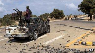 Libyan NTC fighters near Sirte, 22 September 2011