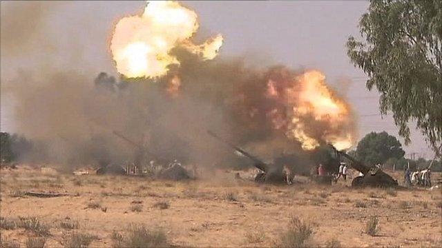 Heavy artillery near Sirte
