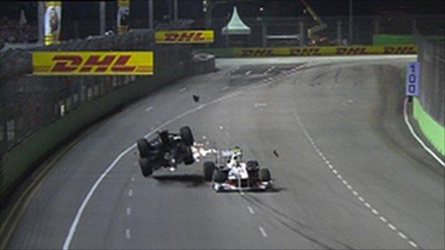 Schumacher crashes in Singapore