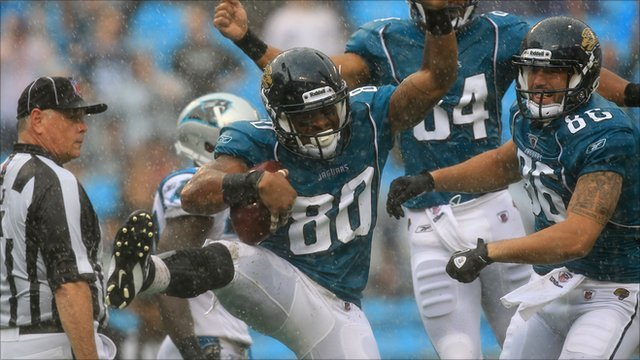 Jacksonville Jaguars' Mike Thomas celebrates his touchdown