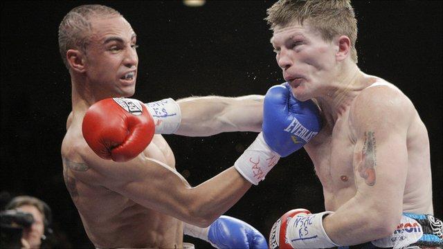Paulie Malignaggi fights Ricky Hatton in 2008