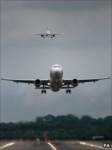 Plane landing at Gatwick