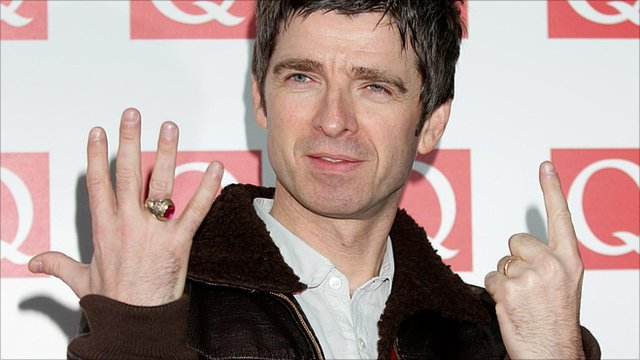 Noel Gallagher indicates how many goals Man City scored at Old Trafford