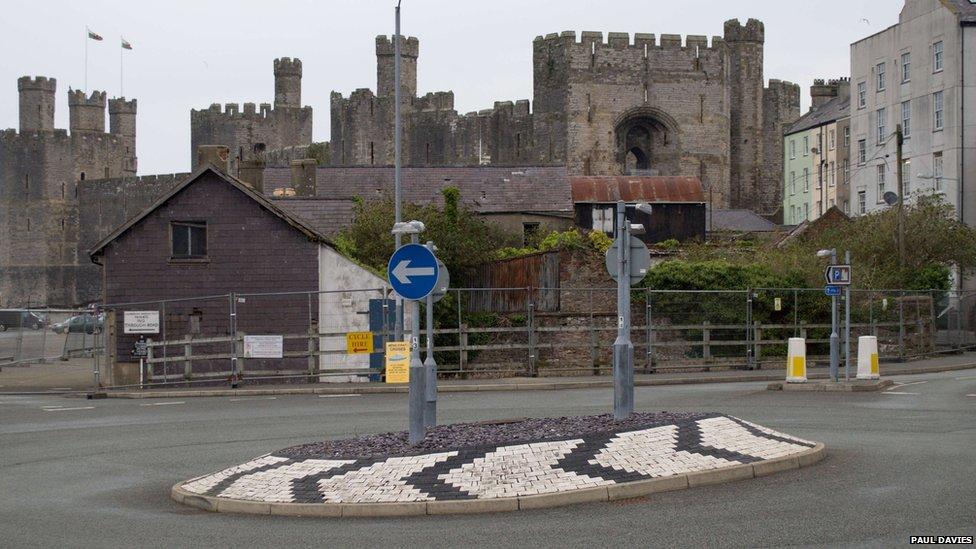 Cylchfan yng Nghaernarfon